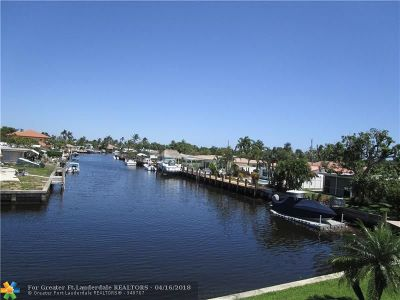 Pompano Beach Condo/Townhouse For Sale: 331 E McNab Rd #220