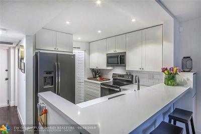 Fort Lauderdale Condo/Townhouse For Sale: 5321 NE 24th Terrace #301