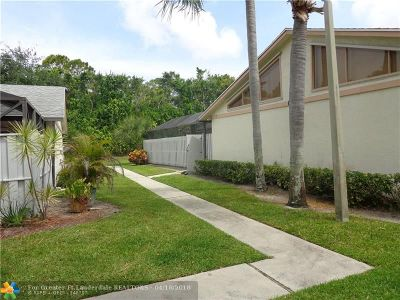 Boynton Beach Condo/Townhouse Backup Contract-Call LA: 8904 Thumbwood Cir #8904