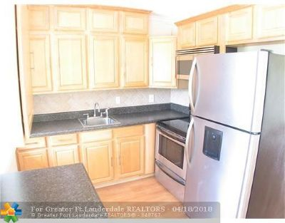 Fort Lauderdale Condo/Townhouse For Sale: 2616 NE 30th Pl #6
