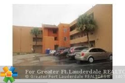 North Lauderdale Condo/Townhouse For Sale: 1891 N Lauderdale Ave #112