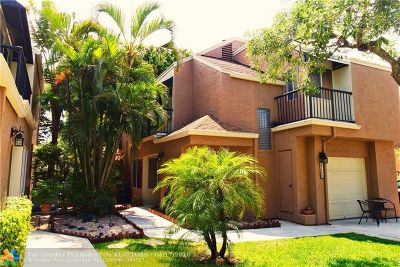 Boca Raton Condo/Townhouse For Sale: 6750 Boca Pines Trl #D