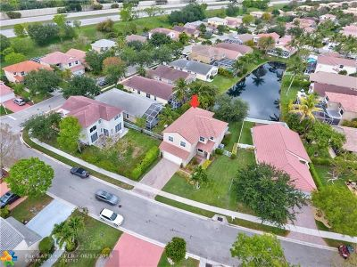 Coral Springs Single Family Home For Sale: 5649 NW 122nd Ter