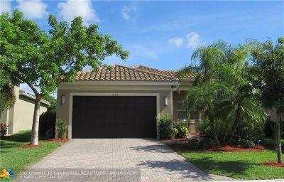 Boynton Beach Single Family Home For Sale: 8174 Kendria Cove Ter