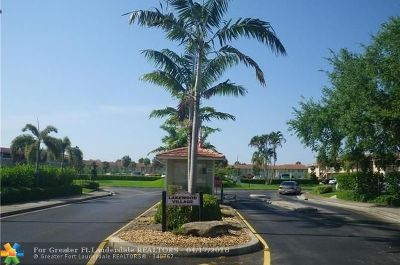 Coral Springs Condo/Townhouse For Sale: 10088 Twin Lakes Dr #38 D