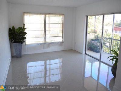 Lauderhill Condo/Townhouse For Sale: 4154 Inverrary Dr #301