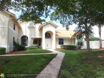 Boca Raton Single Family Home For Sale: 17748 Charnwood Dr