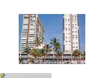 Pompano Beach Condo/Townhouse For Sale: 111 Briny Avenue #2610