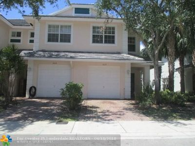 Oakland Park Condo/Townhouse For Sale: 3027 NW 30th Ave #3027