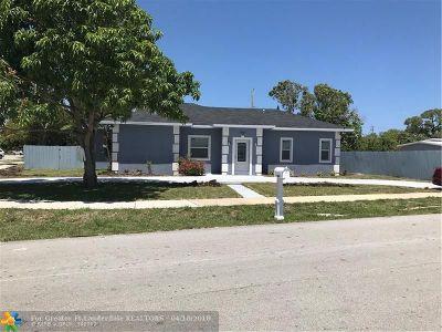 Pompano Beach Single Family Home For Sale: 1967 NE 53rd Ct