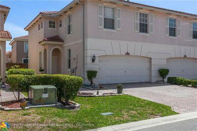 Coconut Creek Condo/Townhouse For Sale: 3562 Santa Fe Pl #3562