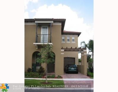 Davie Condo/Townhouse For Sale: 8617 Buckskin Mnr #8617