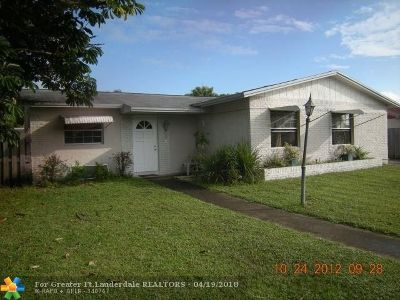 North Lauderdale Single Family Home For Sale: 7823 Kimberly Blvd