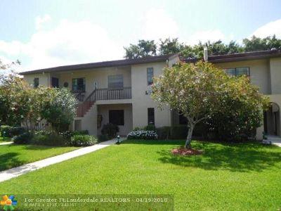 Boca Raton Condo/Townhouse For Sale: 8310 Casa Del Lago #1-A