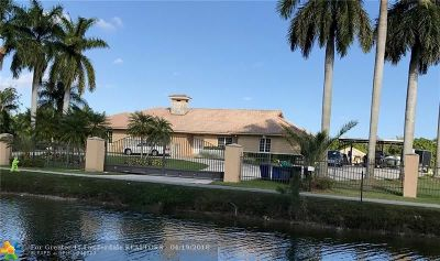 Miramar Single Family Home For Sale: 4301 SW 139th Ave