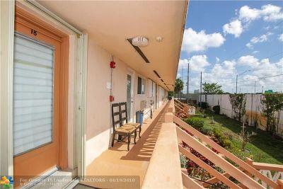 Hallandale Condo/Townhouse For Sale: 1000 SW 11th Ave #18E