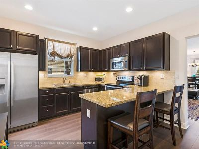 Pembroke Pines Condo/Townhouse For Sale: 1504 SW 147th Ave