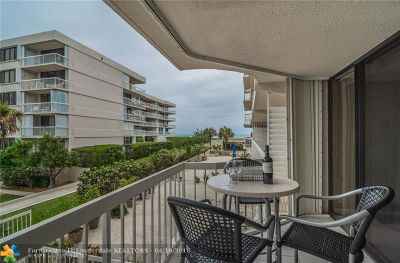 Palm Beach Condo/Townhouse For Sale: 3250 S Ocean Blvd #205S