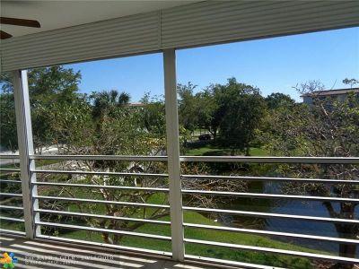 Coconut Creek Condo/Townhouse For Sale: 3005 Portofino Isle #B3
