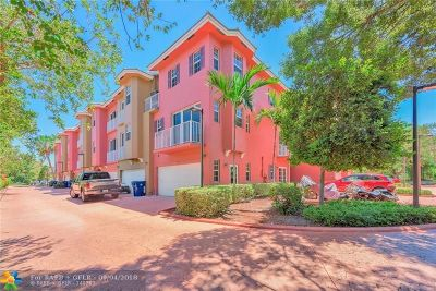 Wilton Manors Condo/Townhouse For Sale: 2725 NE 8th Ave #108