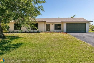 Davie Single Family Home For Sale: 13600 SW 37th Ct