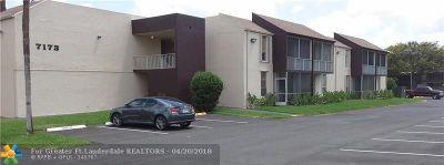 Davie Condo/Townhouse For Sale: 7173 Orange Dr #118