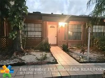 Lauderhill Condo/Townhouse For Sale: 7433 NW 33rd St #7433