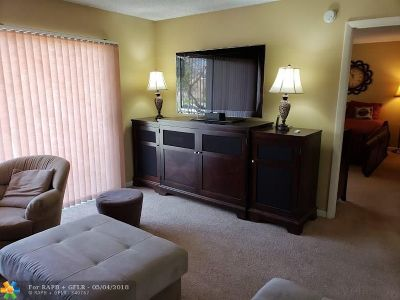North Lauderdale Condo/Townhouse For Sale: 8100 SW 24th St #207