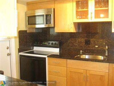 Margate Condo/Townhouse For Sale: 5800 Margate Blvd #632