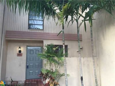 Pembroke Pines Condo/Townhouse For Sale: 9341 NW 15th Ct #322