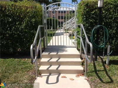 Broward County Condo/Townhouse For Sale: 901 N Birch Rd #2C
