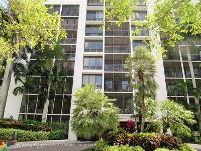 Boca Raton Condo/Townhouse For Sale: 7786 Lakeside Blvd #663