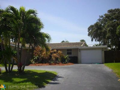 Lighthouse Point Single Family Home For Sale: 2010 NE 31st Ct