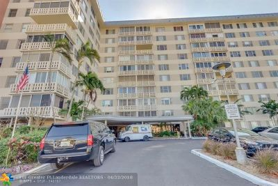 Broward County , Palm Beach County Condo/Townhouse For Sale: 4350 Hillcrest Dr #408