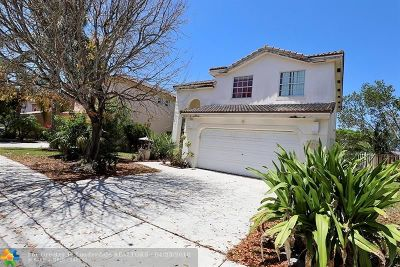 Pembroke Pines Single Family Home For Sale: 1512 SW 106th Ave