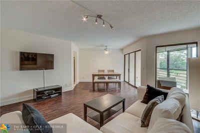 Broward County , Palm Beach County Condo/Townhouse For Sale: 5651 Camino Del Sol #203