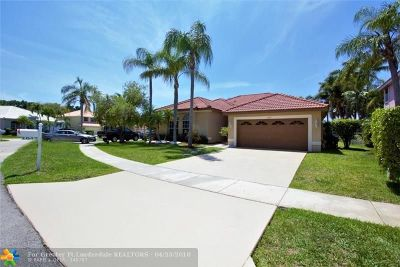 Pembroke Pines Single Family Home For Sale: 1042 NW 182nd Way