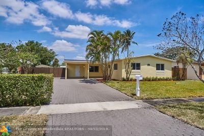 Pembroke Pines Single Family Home For Sale: 7341 NW 1st Ct