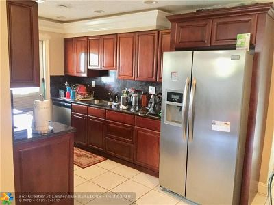 North Lauderdale Condo/Townhouse For Sale: 7491 SW 10th Ct #201B