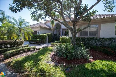 Weston Single Family Home For Sale: 1700 Lakeshore Cir