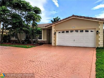 Pompano Beach Single Family Home For Sale: 2224 SE 9th St