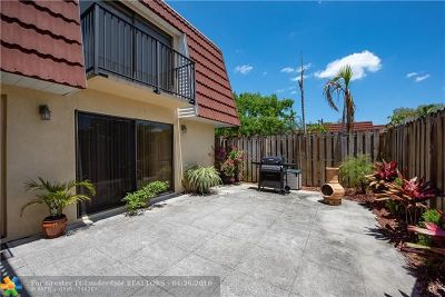 Plantation Condo/Townhouse For Sale: 701 NW 99th Cir #701