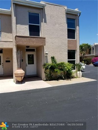 Wilton Manors Condo/Townhouse For Sale: 655 Cypress Ln #22B