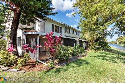 Deerfield Beach Condo/Townhouse For Sale: 2027 Discovery Cir #2027