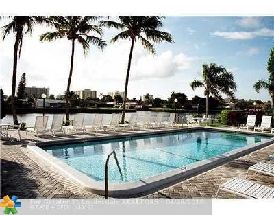Fort Lauderdale Condo/Townhouse For Sale: 6411 Bay Club Dr #3