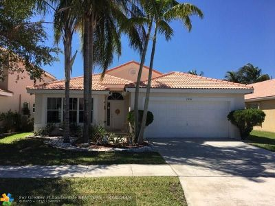 Pembroke Pines Single Family Home For Sale: 17888 SW 14th St