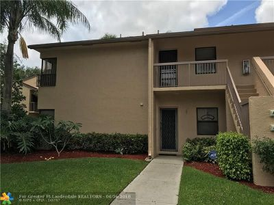 Coconut Creek Condo/Townhouse For Sale: 4387 S Carambola Cir #2641