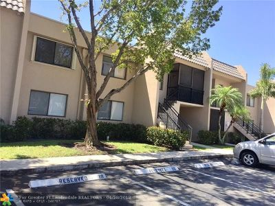 Weston Condo/Townhouse Backup Contract-Call LA: 370 Racquet Club Rd #102