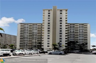 Fort Lauderdale Condo/Townhouse For Sale: 3200 NE 36th St #1419