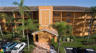 Pembroke Pines Condo/Townhouse For Sale: 571 SW 142nd Ave #310-O